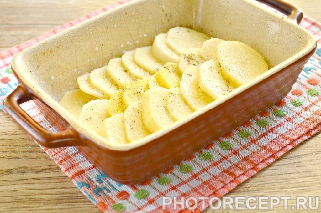 Фото рецепта - Картофельная запеканка с сыром и майонезом - шаг 7