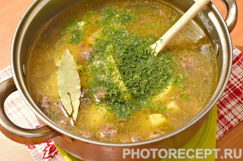 Фото рецепта - Картофельный суп с фрикадельками - шаг 7