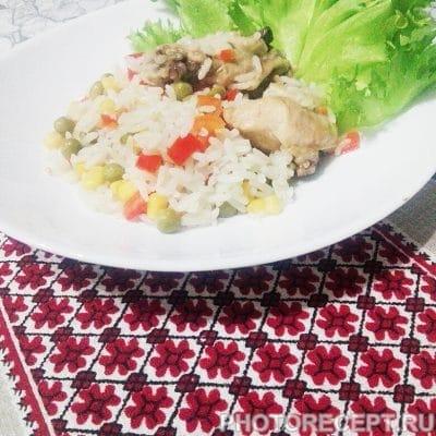 Тушеная курица с рисом и овощами - рецепт с фото