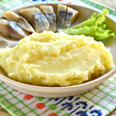 Картофельное пюре с молоком и сливочным маслом - рецепт с фото
