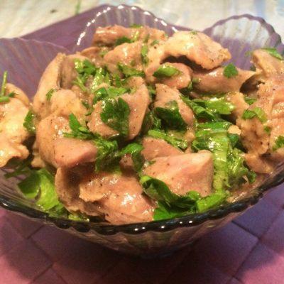 Тушеные куриные желудки в мультиварке - рецепт с фото