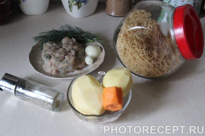 Фото рецепта - Суп с нежными куриными фрикадельками - шаг 1