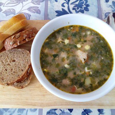 Зеленый борщ – блюдо, которое холодной осенью напоминает о теплом лете - рецепт с фото