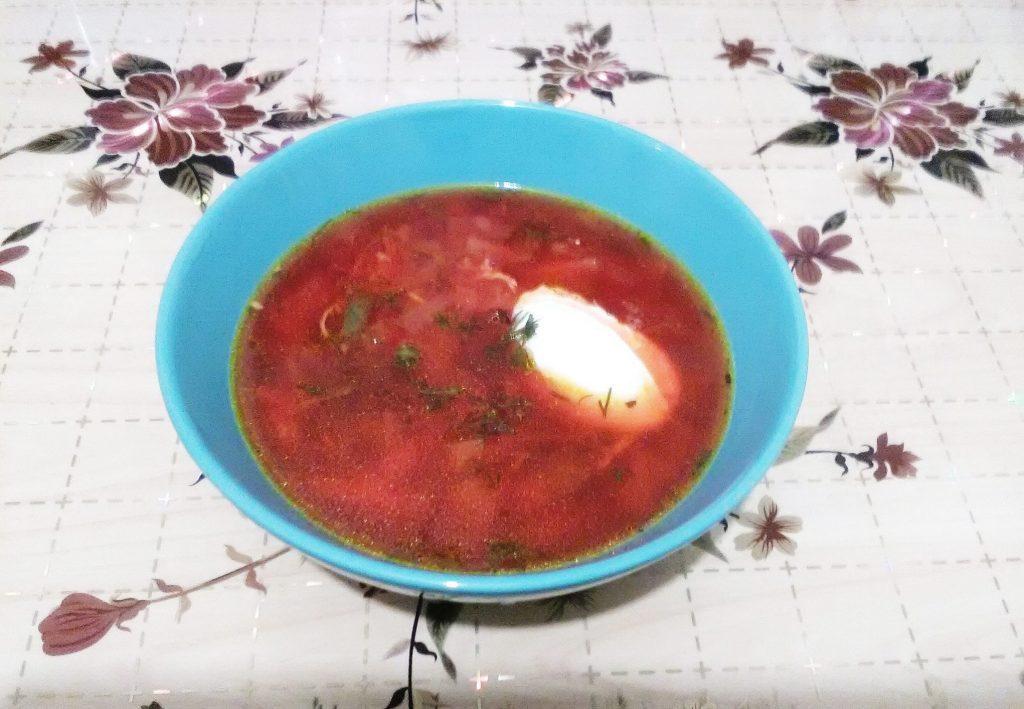 Фото рецепта - Традиционный борщ с курицей - шаг 8