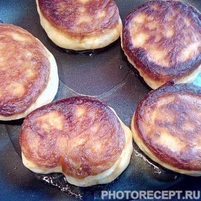 Фото рецепта - Оладьи с черничным конфитюром - шаг 5