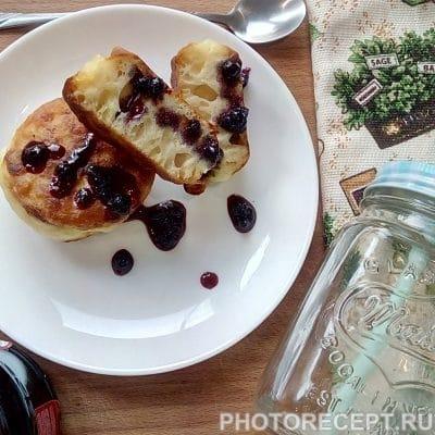 Фото рецепта - Оладьи с черничным конфитюром - шаг 6