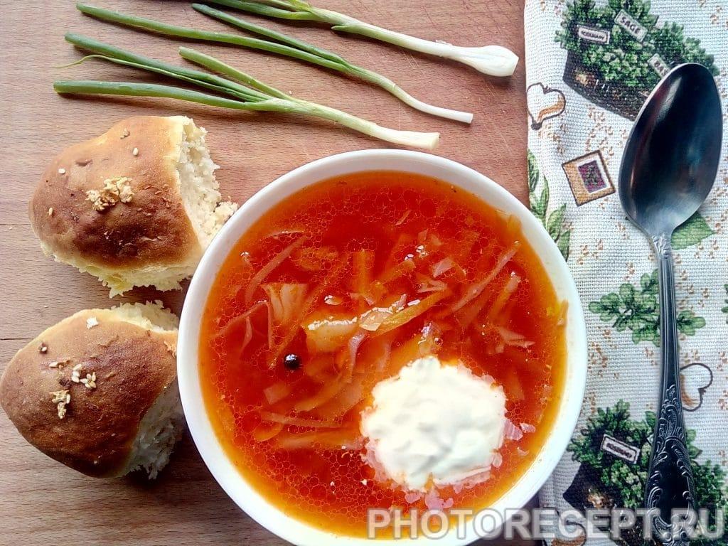 Фото рецепта - Украинский борщ с пампушками - шаг 7