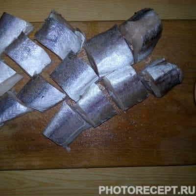 Фото рецепта - Рыба тушеная с луком и морковью - шаг 3