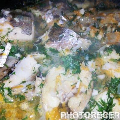 Рыба тушеная с луком и морковью - рецепт с фото