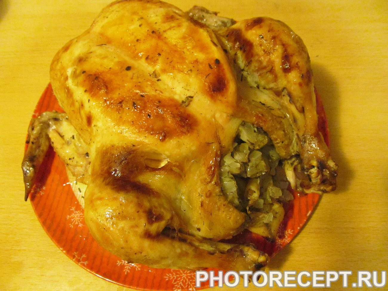 Курица, фаршированная луком и лимоном.