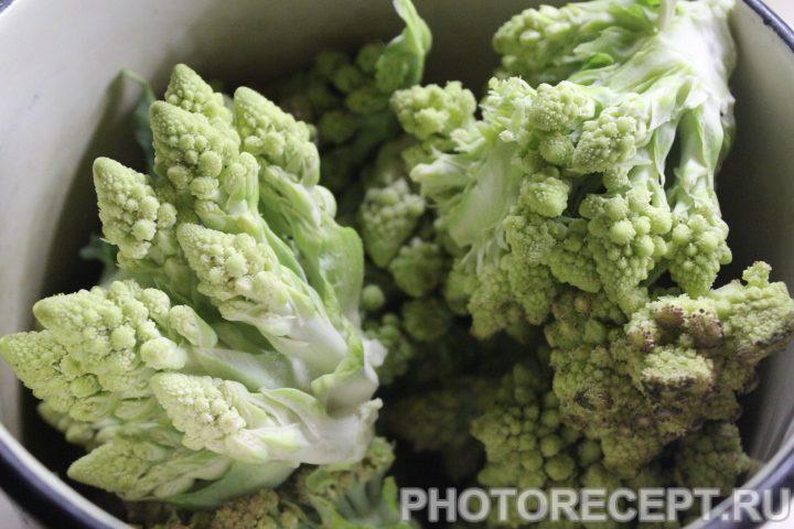 Фото рецепта - Горячий салат из капусты романеско - шаг 2