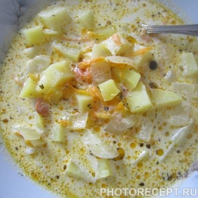 Фото рецепта - Рыбно-сливочный суп с сёмгой - шаг 7