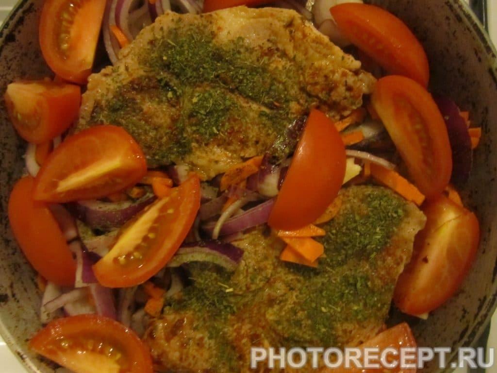 Фото рецепта - Тушённое мясо с овощами на сковороде - шаг 4