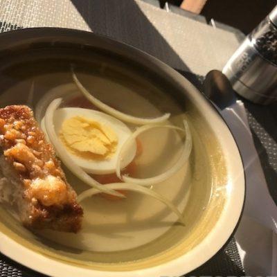 Куриный бульон с гренками - рецепт с фото
