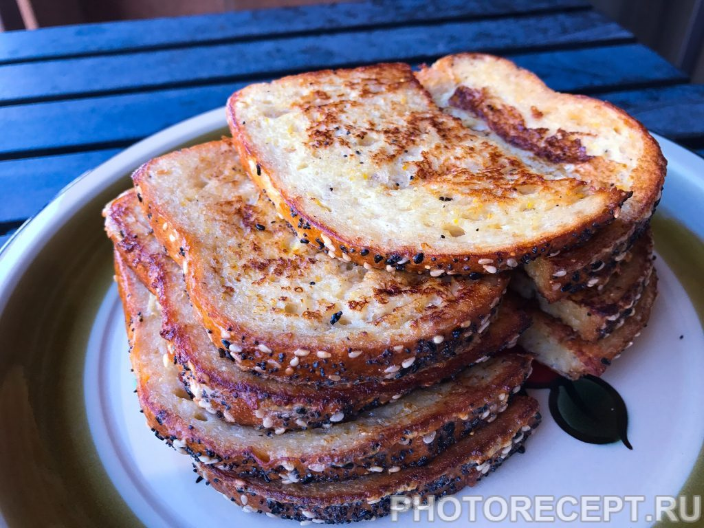Фото рецепта - Гренки из злакового хлеба - шаг 4