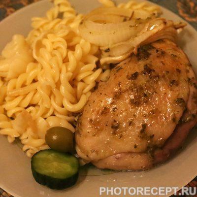 Куриные бедрышки под соусом песто - рецепт с фото