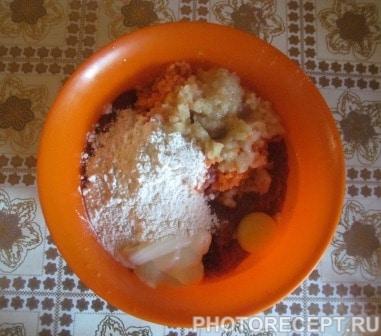 Фото рецепта - Печеночные котлеты из куриной печени - шаг 2