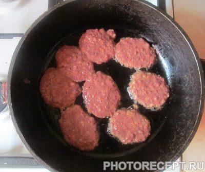 Фото рецепта - Печеночные котлеты из куриной печени - шаг 3