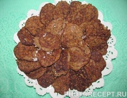 Фото рецепта - Печеночные котлеты из куриной печени - шаг 4