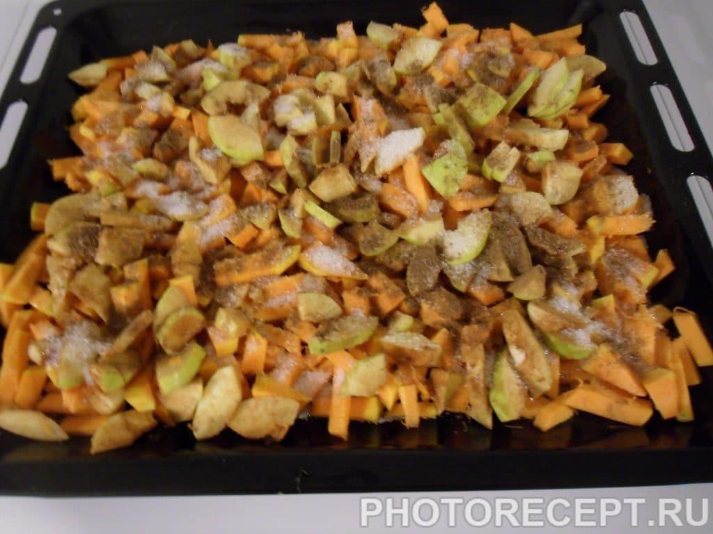 Фото рецепта - Кукурузная каша с печенной тыквой и айвой - шаг 3
