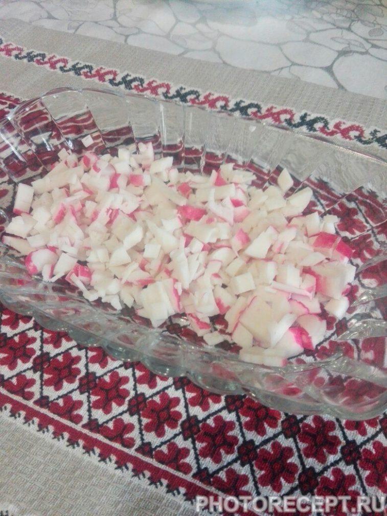 Фото рецепта - Крабовичек с чесночной заправкой - шаг 7