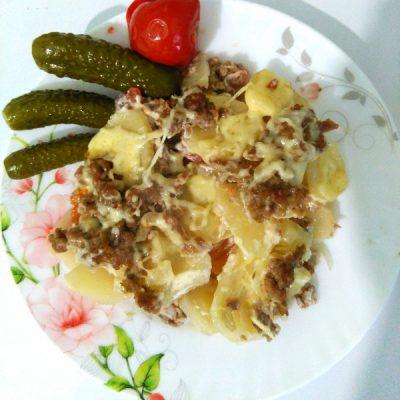 Запеканка картофельная с фаршем и помидорами - рецепт с фото