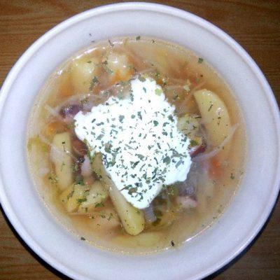 Борщ без свеклы с фасолью - рецепт с фото