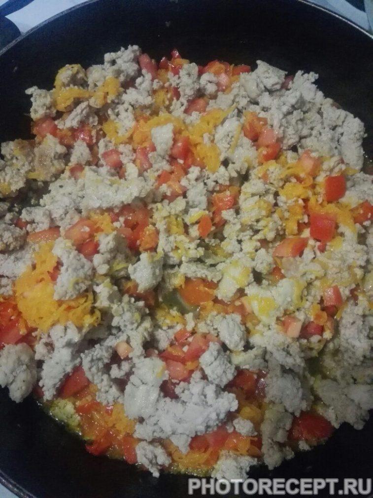 Фото рецепта - Гречневая каша с мясным соусом из фарша - шаг 7