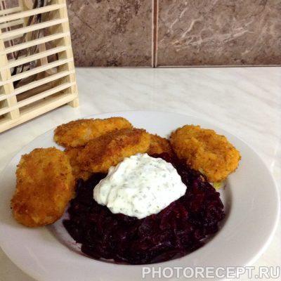 Фото рецепта - Морковно-картофельные котлеты со сметанным соусом - шаг 5