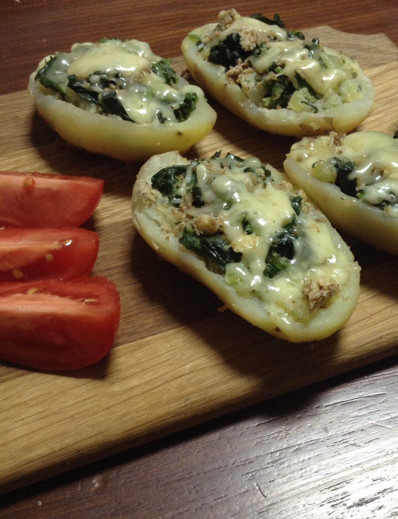 Фото рецепта - Картофельные лодочки, фаршированный шпинатом и перцем - шаг 7
