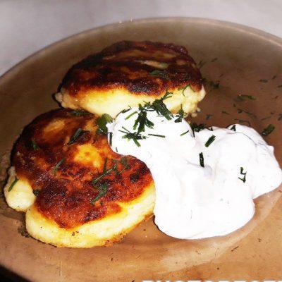 Жаренные картофельные котлеты - рецепт с фото