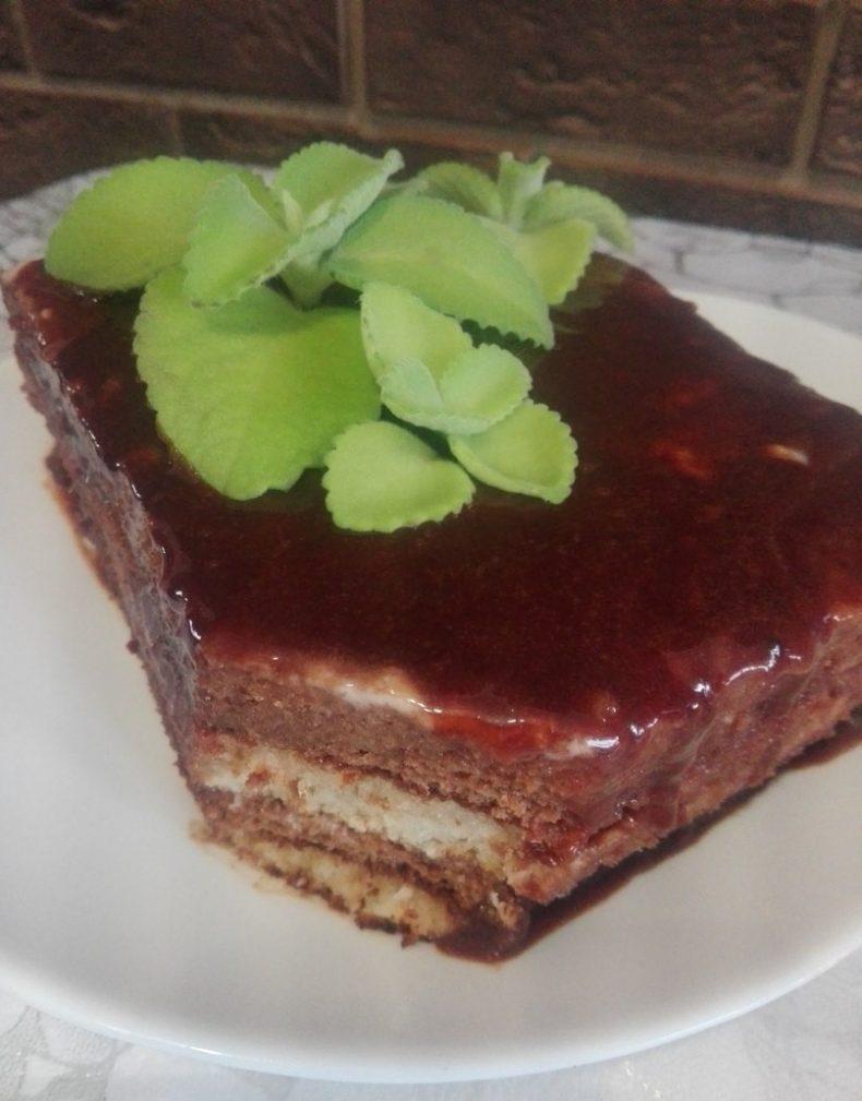 Фото рецепта - Шоколадно-мятный торт из бисквитного теста - шаг 13