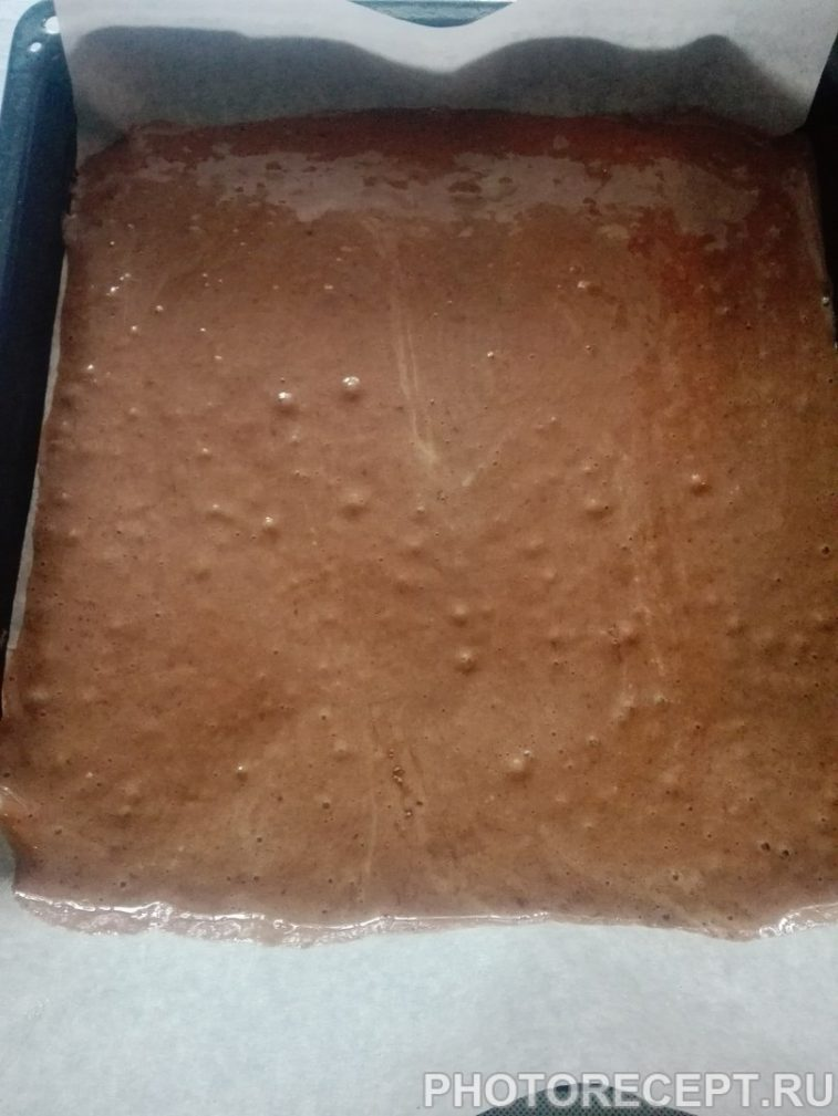 Фото рецепта - Шоколадно-мятный торт из бисквитного теста - шаг 7