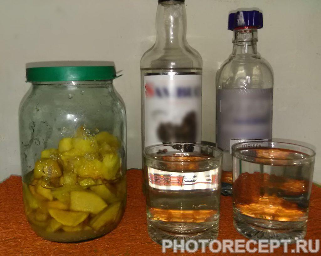 Фото рецепта - Ликер из айвы и ананаса - шаг 4