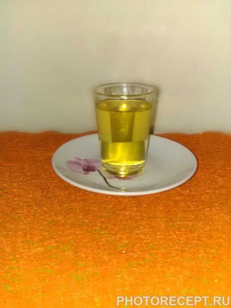 Фото рецепта - Ликер из айвы и ананаса - шаг 6
