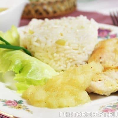 Медальоны из индейки с соусом из ананасов - рецепт с фото