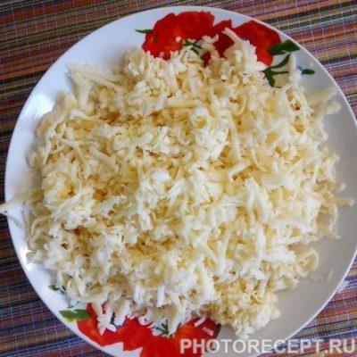 Фото рецепта - Блины с сыром и зеленью на кефире - шаг 2