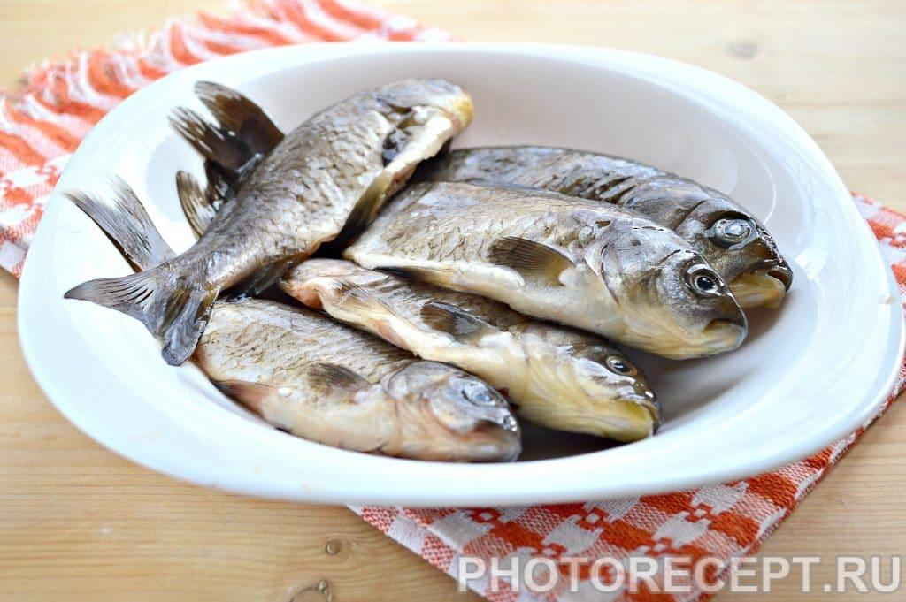 Фото рецепта - Рыба тушеная в сметане - шаг 1