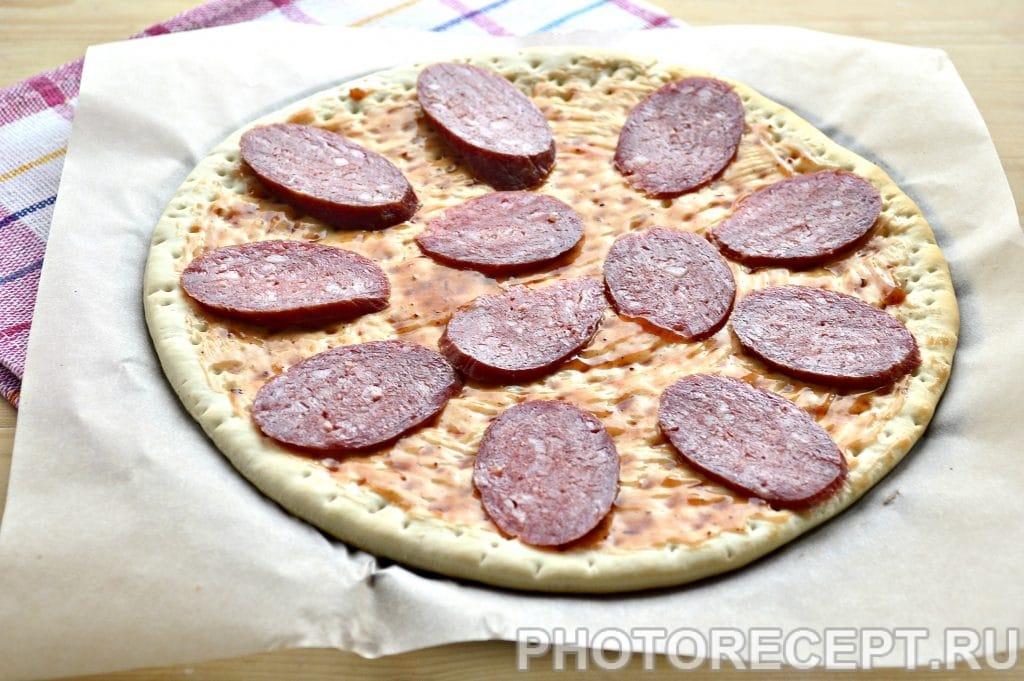 Фото рецепта - Пицца с соленым огурцом - шаг 2