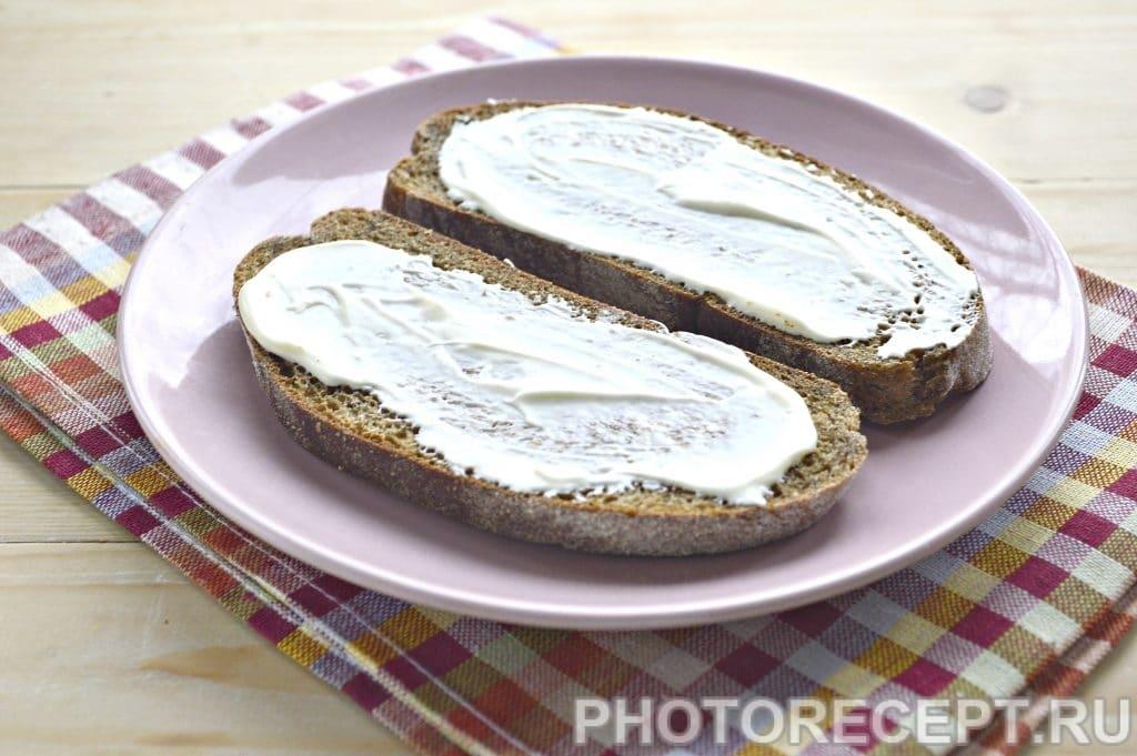 Фото рецепта - Горячие бутерброды в микроволновке - шаг 2
