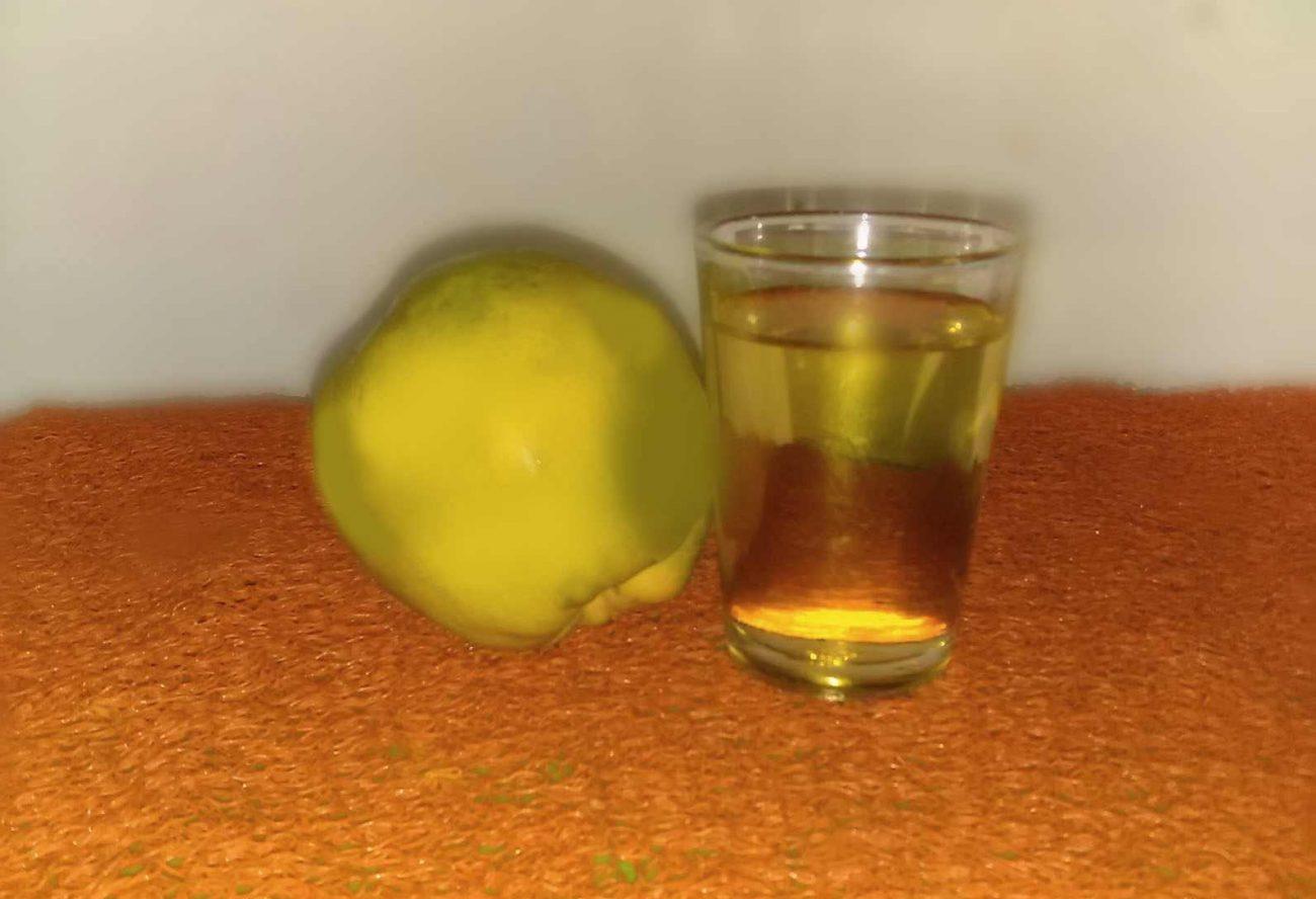 Ликер из айвы и ананаса