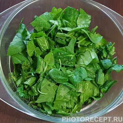 Фото рецепта - Салат из авокадо и шпината - шаг 2