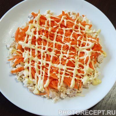 Фото рецепта - Слоеный салат с курицей и яблоком - шаг 7
