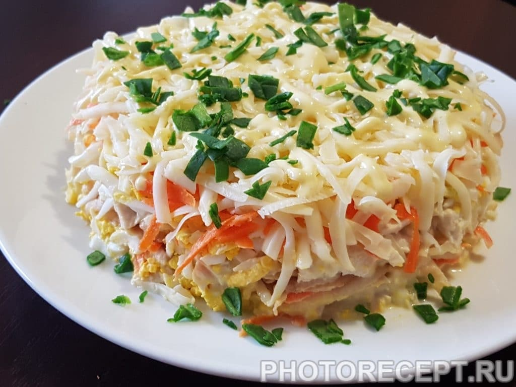 Фото рецепта - Слоеный салат с курицей и яблоком - шаг 10