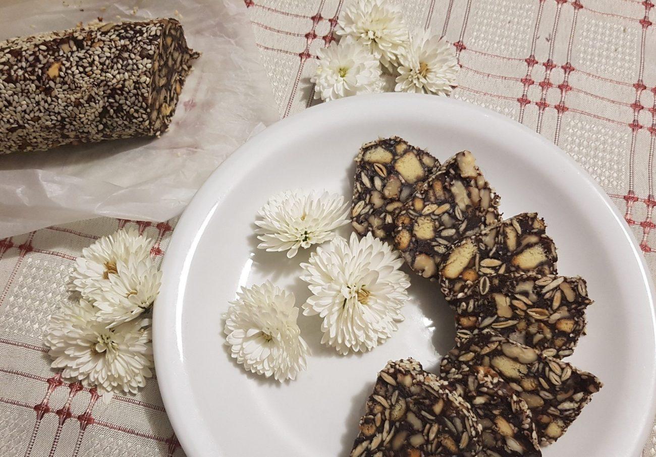 Домашняя шоколадная колбаска из печенья