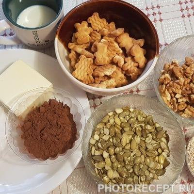 Фото рецепта - Домашняя шоколадная колбаска из печенья - шаг 1