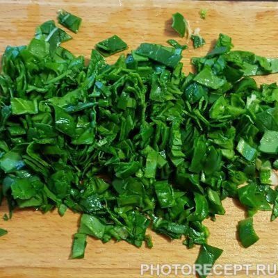 Фото рецепта - Драники со шпинатом по-украински - шаг 2