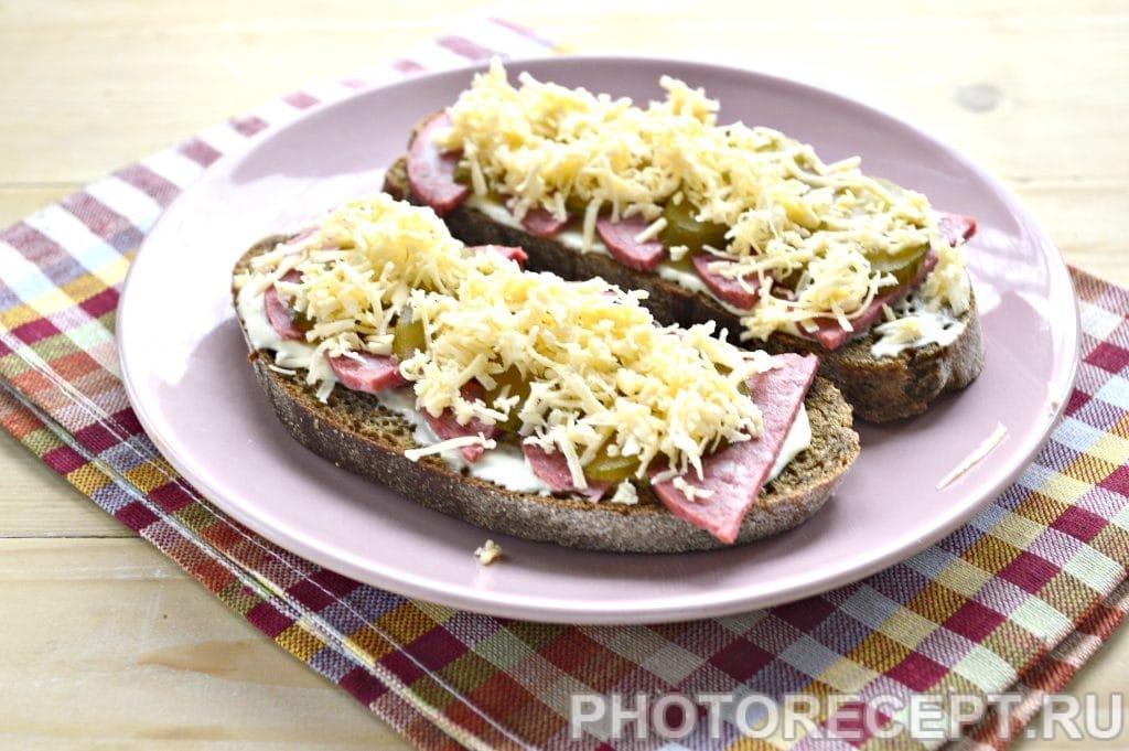 Фото рецепта - Горячие бутерброды в микроволновке - шаг 5