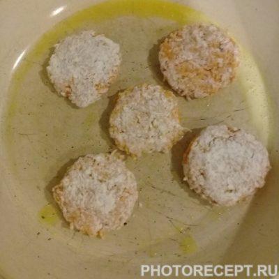 Фото рецепта - Морковные котлеты - шаг 5