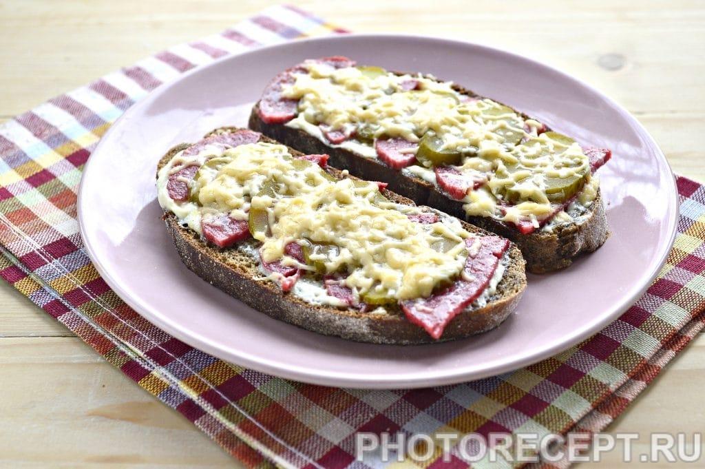 Фото рецепта - Горячие бутерброды в микроволновке - шаг 6